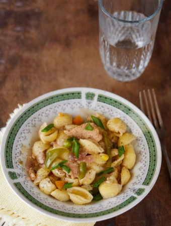 Chinese Pasta: A Hot & Sour Quick Fix   Becky Keeps House - This Chinese pasta quick fix is a lifesaver when you need to get a filling meal on the table in 30 minutes. A must-have recipe for every busy homemaker!