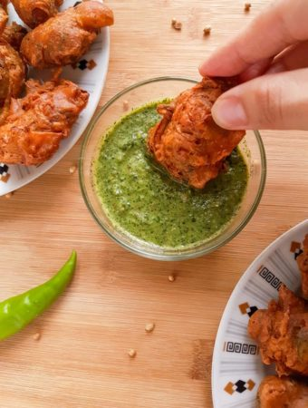 Pakistani Pakora (Potato Fritters, Pakistani Style) | Becky Keeps House This Pakistani pakora recipe makes crunchy, spicy, buttery delicious pakoras (potato fritters). The best you've ever eaten, guaranteed!
